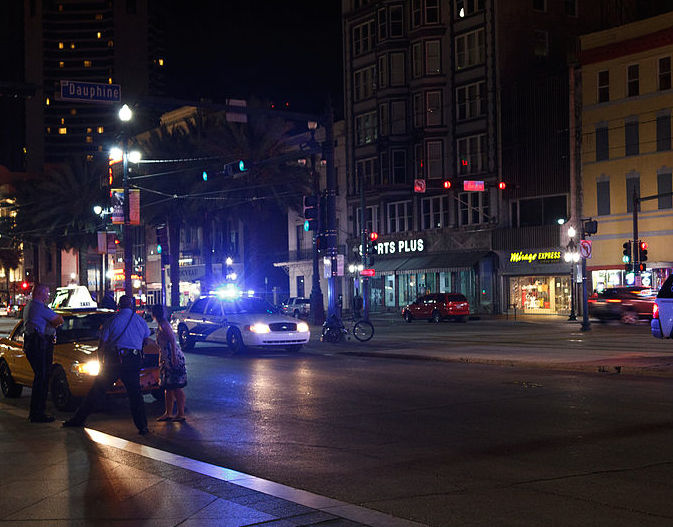 800px-NOPD_On_Canal_Street_at_night